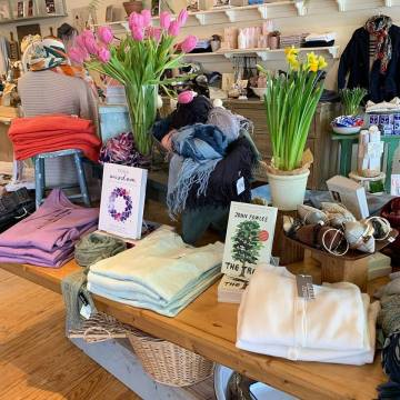 In the Clover sells clothing and accessories in Wiscasset Maine